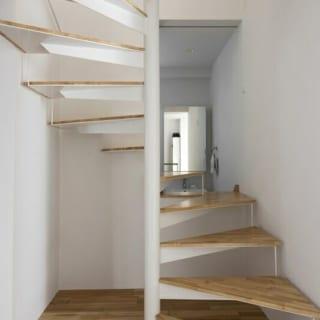 家の中心になっている階段室。
