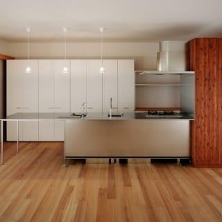 メインのキッチン。親世帯は専用のLDKがないので、普段もこの部屋を使う
