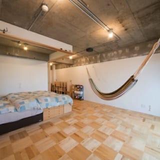ハンモック/おもてなし空間に置かれたハンモックは部屋のワンポイント。普段は子どもの遊び場にもなる