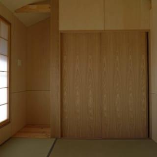 寝室はご夫婦の希望で和室をつくった。