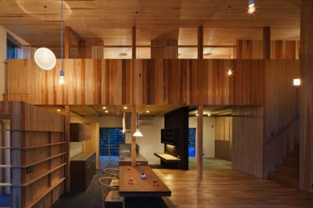 1階と2階が一体となった住空間。どこにいても家族の気配が感じられるよう配慮されている。