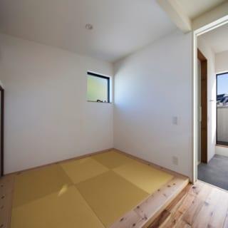3階にあるランドリーの脇にある畳敷きの和室。将来的には子ども部屋として考えているという