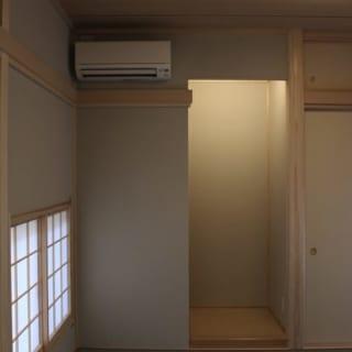 和室の左官材の色は真島さんの提案したグレージュ。Oさん姉妹のイメージに合わせてモダンなシャープさの中にもほんのりと暖かみのある色に。
