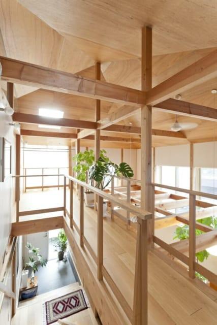 木の天井は柳澤さんの自邸と同じイメージで、見学にも行ったそう。