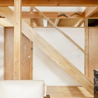 「慣れているから手すりがない方が使いやすい」ということで、階段の形は以前のお宅と同じに。