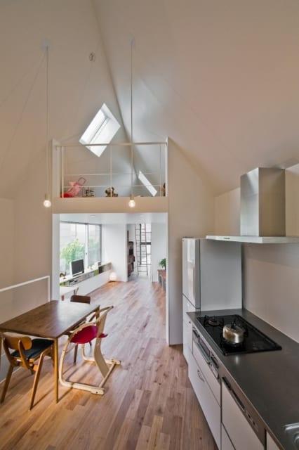三角形敷地での狭小住宅