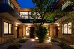 建築家が自分のために設計!四季を楽しむオーナー邸付き賃貸住宅