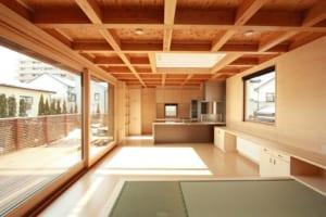 北海道住宅の断熱性能を道外で!書斎のある省エネ住宅。