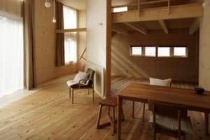 北海道、離れ、定年後…すべての条件を調和した自然素材空間