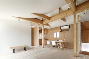 築40年の家が北欧風のモダンな空間に!フルリノベで実現した4世代の家