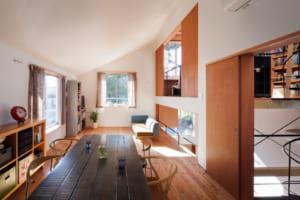 ホール・LDK、ライブラリー。「3つの集いの場」で家族がつながる家