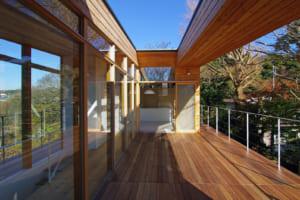 360度の大パノラマ!眺望を心ゆくまで楽しめる鎌倉の高台に建つ家