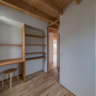 子供部屋のひとつ。各子供部屋はそれぞれ3.5畳ほどで、意外とこの狭さが居心地の良い部屋。