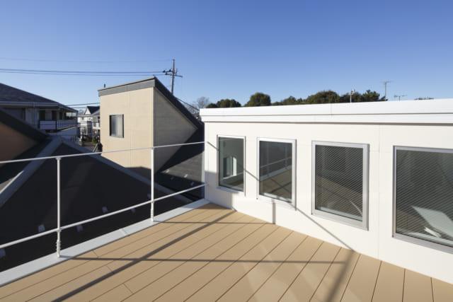 手塚さんの提案で3階に作られた展望台。日当たり、見晴らしも良い癒しのスペース