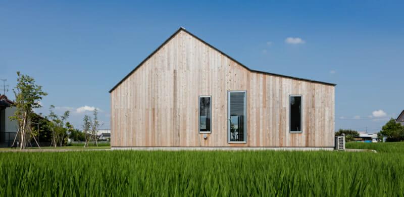 こだわりをさりげなさで包み込む 「静かにデザイン」された家