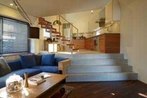 狭小いびつな土地で叶えた、家族4人の快適ハイブリット住宅