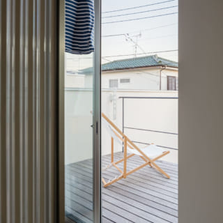 2階には室内干しができるクリーンルームもある。その先はバルコニー。洗面室に近く、家事動線がよい