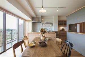 タワーマンションを自然素材の住まいに。 暮らしを豊かにするマンションリノベ