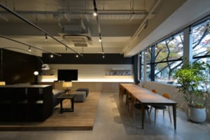 SHOWROOM(OFFICE)
