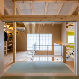 和室は、扉を閉めても天井の開口部から冷暖房の空気が流れてくるしくみ