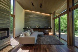 「今は別荘、いつかは本宅」もアリ。省エネで冬も暖かい、軽井沢のモダン別荘