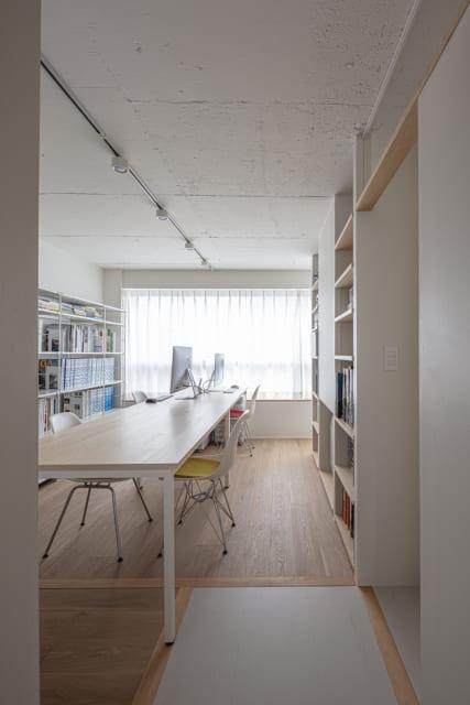 北側の事務所スペースには、将来に備えた床見切りと下地を予め設置