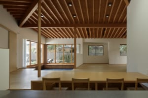 居場所をデザインしたワンルームの大空間。家族がゆったりくつろげる平屋の家