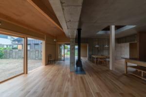 コンクリート・土・木という素材を共存 将来の家族の暮らし方に配慮した家づくり
