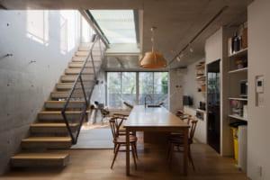 個性的な住戸が集うコーポラティブハウス。全住戸に庭付き一戸建ての豊かさを