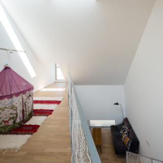 2階と3階は1つの空間とすることで、どこにいても家族の息遣いを感じられる距離感を演出