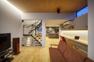 光階段の3層住宅